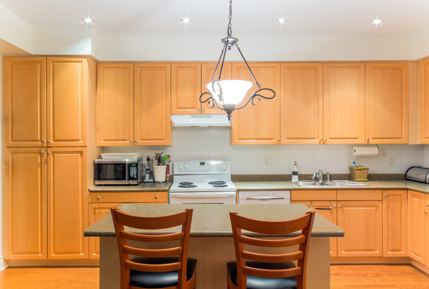 Create a Comfortable Atmosphere in Your Kitchen Through Proper Kitchen Lighting